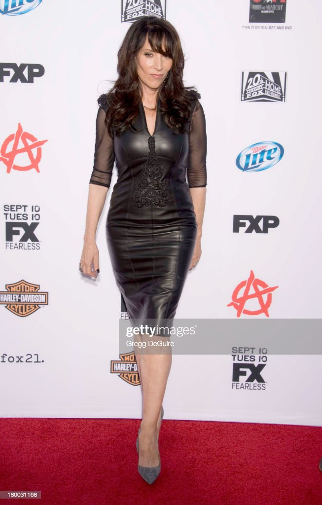 Actress <a gi-track='captionPersonalityLinkClicked' href=/galleries/search?phrase=Katey+Sagal&family=editorial&specificpeople=221480 ng-click='$event.stopPropagation()'>Katey Sagal</a> arrives at FX's 'Sons Of Anarchy' Season 6 premiere screening at Dolby Theatre on September 7, 2013 in Hollywood, California.