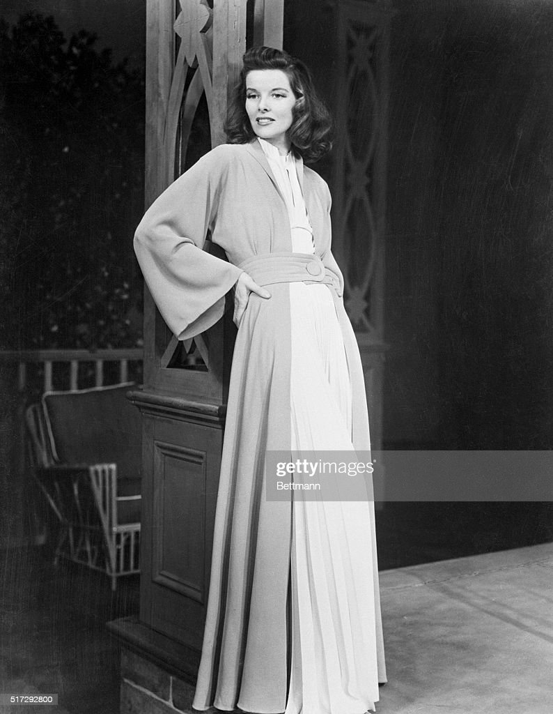 actress-katharine-hepburn-in-various-full-length-poses-and-costumes-picture-id517292800