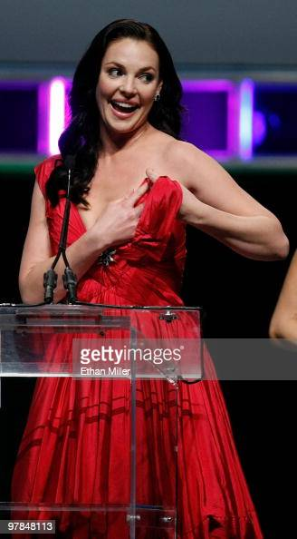 Actress Katherine Heigl accepts the Female Star of the Year Award after part of her dress broke during the ShoWest awards ceremony at the Paris Las...