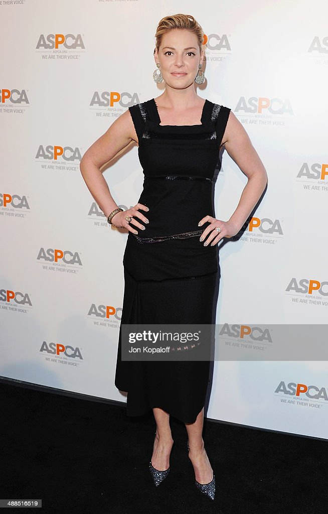 Actress <a gi-track='captionPersonalityLinkClicked' href=/galleries/search?phrase=Katherine+Heigl&family=editorial&specificpeople=206952 ng-click='$event.stopPropagation()'>Katherine Heigl</a> arrives at The American Society For The Prevention Of Cruelty To Animals Celebrity Cocktail Party on May 6, 2014 in Beverly Hills, California.