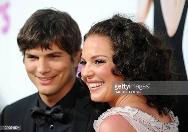 Actress Katherine Heigl arrives with actor Ashton Kutcher at the premiere of 'Killers' in Hollywood California on June 1 2010 AFP PHOTO / GABRIEL...