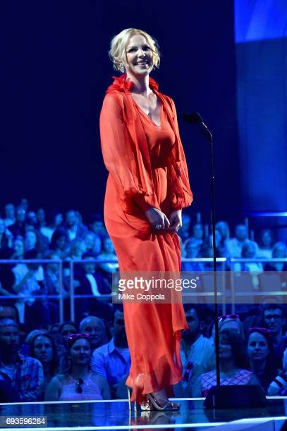 Actress Katherine Heigl presents award onstage during the 2017 CMT Music Awards at the Music City Center on June 6 2017 in Nashville Tennessee