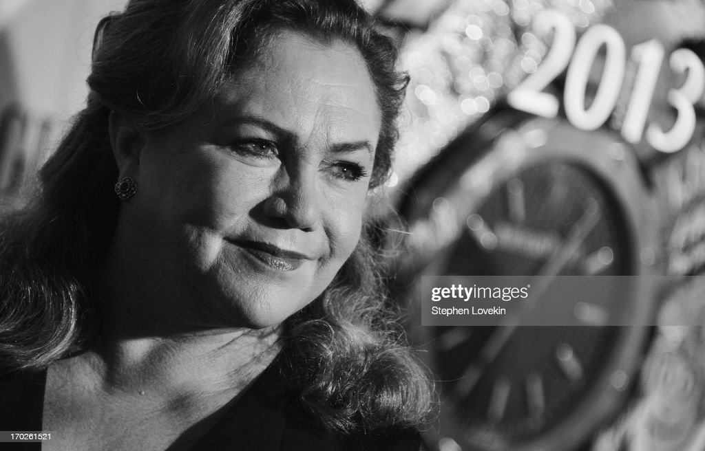 Actress <a gi-track='captionPersonalityLinkClicked' href=/galleries/search?phrase=Kathleen+Turner&family=editorial&specificpeople=202649 ng-click='$event.stopPropagation()'>Kathleen Turner</a> attends The 2013 Tony Awards on June 9, 2013 in New York City.