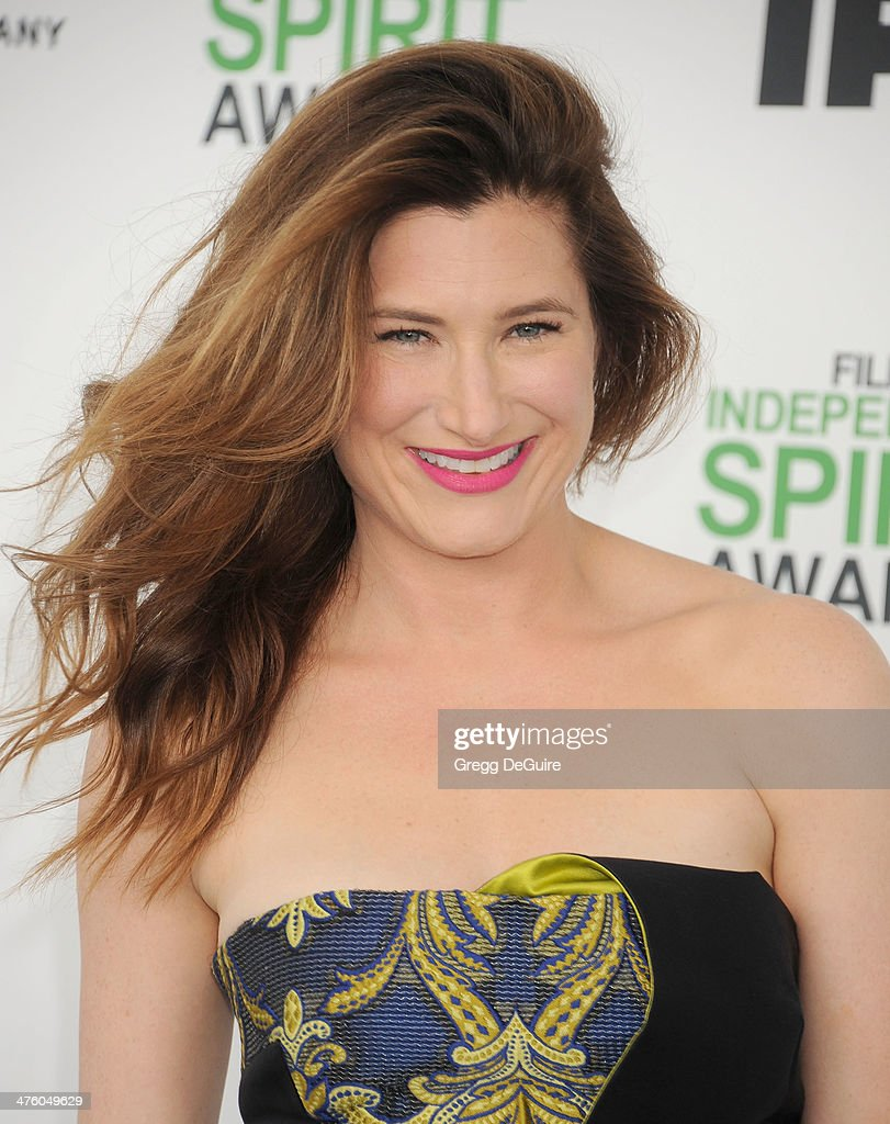 Actress <a gi-track='captionPersonalityLinkClicked' href=/galleries/search?phrase=Kathryn+Hahn&family=editorial&specificpeople=221548 ng-click='$event.stopPropagation()'>Kathryn Hahn</a> arrives at the 2014 Film Independent Spirit Awards on March 1, 2014 in Santa Monica, California.