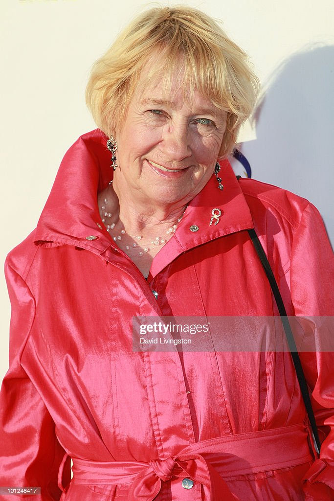 Actress Kathryn Joosten attends the 4th Annual Community Awards Red Carpet Gala at the Boyle Heights Technology Youth Center on May 28, 2010 in Los Angeles, California.