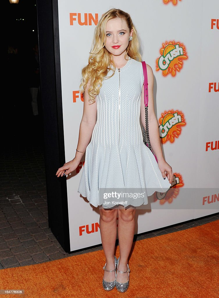 Actress Kathryn Newton arrives at the Los Angeles Premiere 'Fun Size' at Paramount Theater on the Paramount Studios lot on October 25 2012 in...
