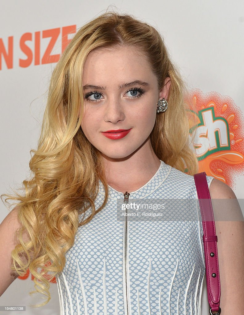 Actress Kathryn Newton arrives to the premiere of Paramount Pictures' 'Fun Size' at Paramount Theater on the Paramount Studios lot on October 25, 2012 in Hollywood, California.