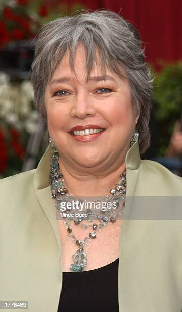 Actress Kathy Bates arrives at the 74th Annual Academy Awards March 24 2002 at The Kodak Theater in Hollywood California Bates was nominated February...