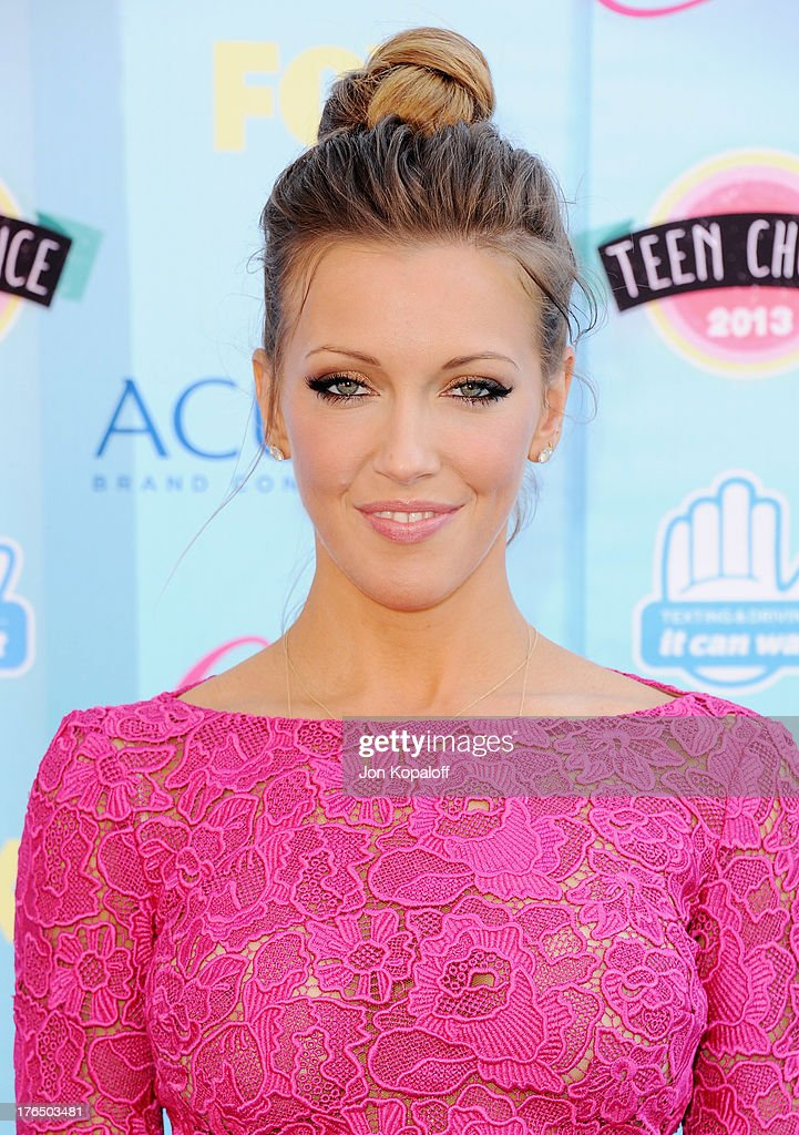 Actress Katie Cassidy arrives at the 2013 Teen Choice Awards at Gibson Amphitheatre on August 11, 2013 in Universal City, California.