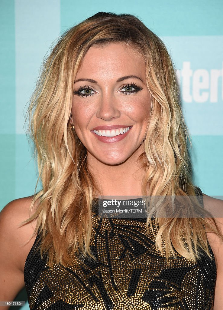 Actress <a gi-track='captionPersonalityLinkClicked' href=/galleries/search?phrase=Katie+Cassidy&family=editorial&specificpeople=569891 ng-click='$event.stopPropagation()'>Katie Cassidy</a> attends Entertainment Weekly's Comic-Con 2015 Party sponsored by HBO, Honda, Bud Light Lime and Bud Light Ritas at FLOAT at The Hard Rock Hotel on July 11, 2015 in San Diego, California.