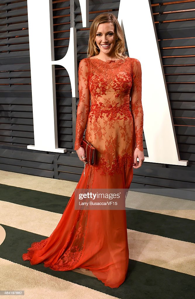 Actress <a gi-track='captionPersonalityLinkClicked' href=/galleries/search?phrase=Katie+Cassidy&family=editorial&specificpeople=569891 ng-click='$event.stopPropagation()'>Katie Cassidy</a> attends the 2015 Vanity Fair Oscar Party hosted by Graydon Carter at the Wallis Annenberg Center for the Performing Arts on February 22, 2015 in Beverly Hills, California.