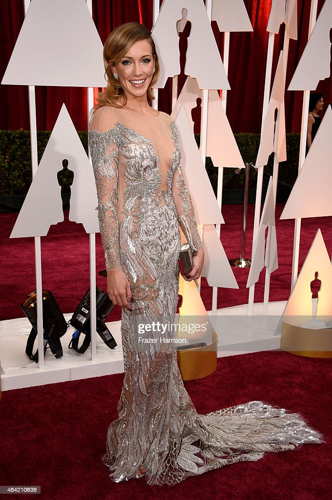 Actress <a gi-track='captionPersonalityLinkClicked' href=/galleries/search?phrase=Katie+Cassidy&family=editorial&specificpeople=569891 ng-click='$event.stopPropagation()'>Katie Cassidy</a> attends the 87th Annual Academy Awards at Hollywood & Highland Center on February 22, 2015 in Hollywood, California.