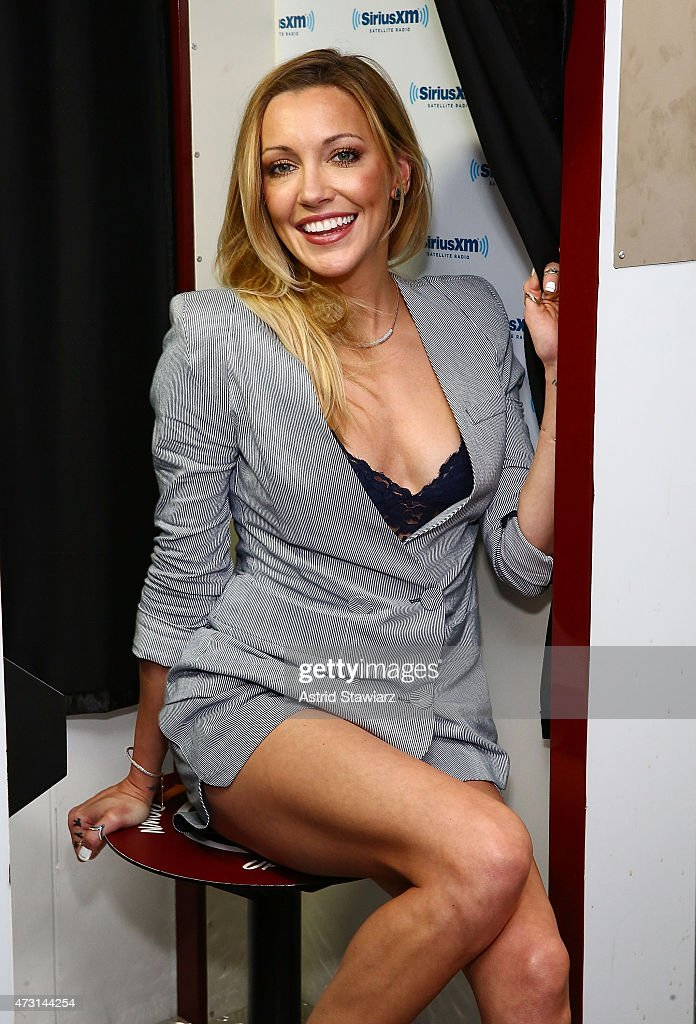 Actress <a gi-track='captionPersonalityLinkClicked' href=/galleries/search?phrase=Katie+Cassidy&family=editorial&specificpeople=569891 ng-click='$event.stopPropagation()'>Katie Cassidy</a> visits the SiriusXM Studios on May 13, 2015 in New York City.