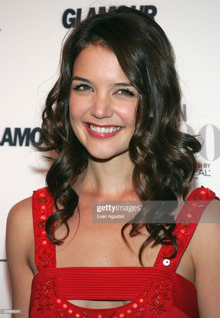 Actress <a gi-track='captionPersonalityLinkClicked' href=/galleries/search?phrase=Katie+Holmes&family=editorial&specificpeople=201598 ng-click='$event.stopPropagation()'>Katie Holmes</a> arrives at the 15th Annual Glamour 'Women of the Year' Awards at the American Museum of Natural History November 8, 2004 in New York City.