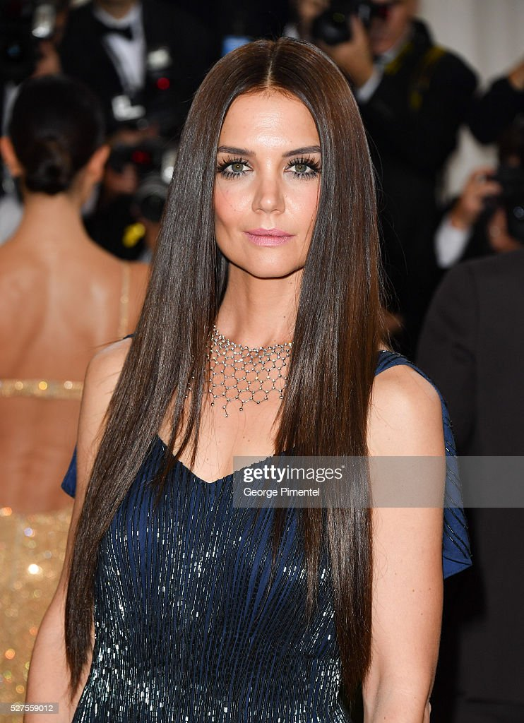 Actress <a gi-track='captionPersonalityLinkClicked' href=/galleries/search?phrase=Katie+Holmes&family=editorial&specificpeople=201598 ng-click='$event.stopPropagation()'>Katie Holmes</a> attends the 'Manus x Machina: Fashion in an Age of Technology' Costume Institute Gala at the Metropolitan Museum of Art on May 2, 2016 in New York City.
