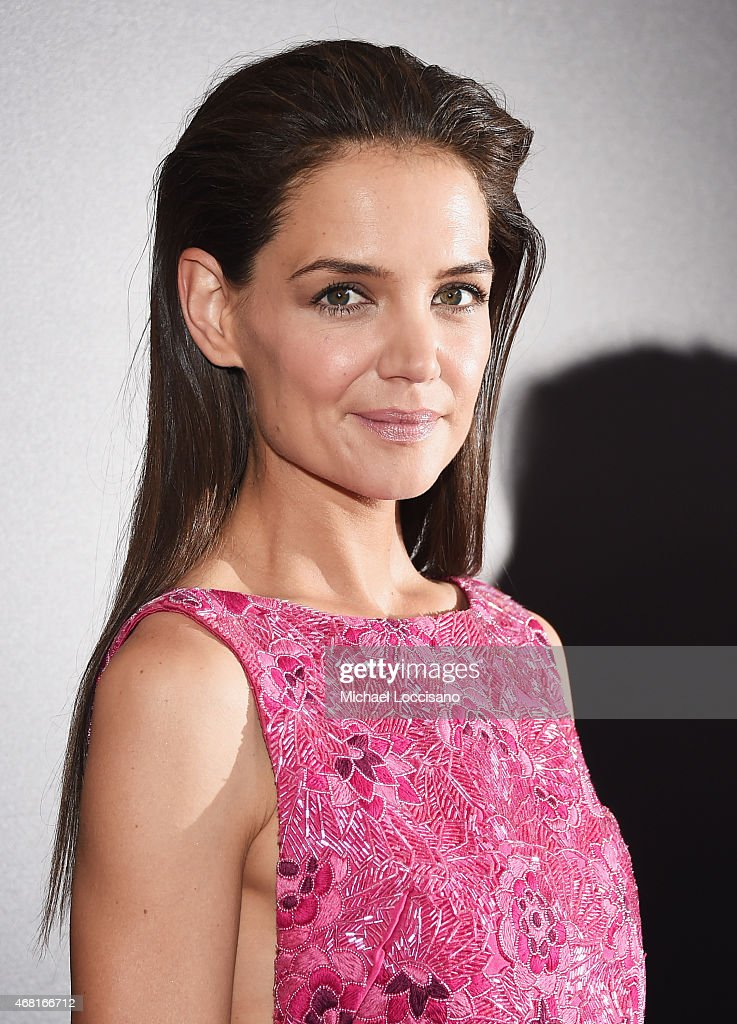 Actress <a gi-track='captionPersonalityLinkClicked' href=/galleries/search?phrase=Katie+Holmes&family=editorial&specificpeople=201598 ng-click='$event.stopPropagation()'>Katie Holmes</a> attends the 'Woman In Gold' New York premiere at The Museum of Modern Art on March 30, 2015 in New York City.