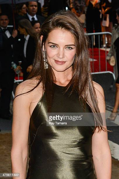 Actress Katie Holmes enters the 2015 CFDA Fashion Awards at Alice Tully Hall at Lincoln Center on June 1 2015 in New York City