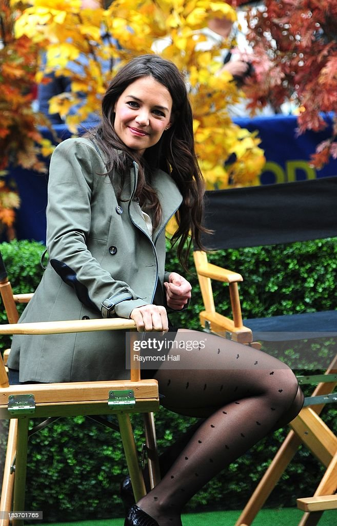 Actress <a gi-track='captionPersonalityLinkClicked' href=/galleries/search?phrase=Katie+Holmes&family=editorial&specificpeople=201598 ng-click='$event.stopPropagation()'>Katie Holmes</a> is seen outside 'Good Morning America'on October 9, 2013 in New York City.