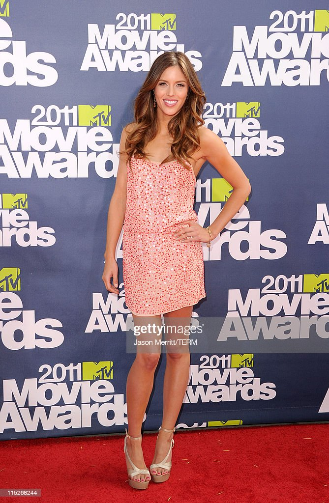 Actress Kayla Ewell arrives at the 2011 MTV Movie Awards at Universal Studios' Gibson Amphitheatre on June 5, 2011 in Universal City, California.