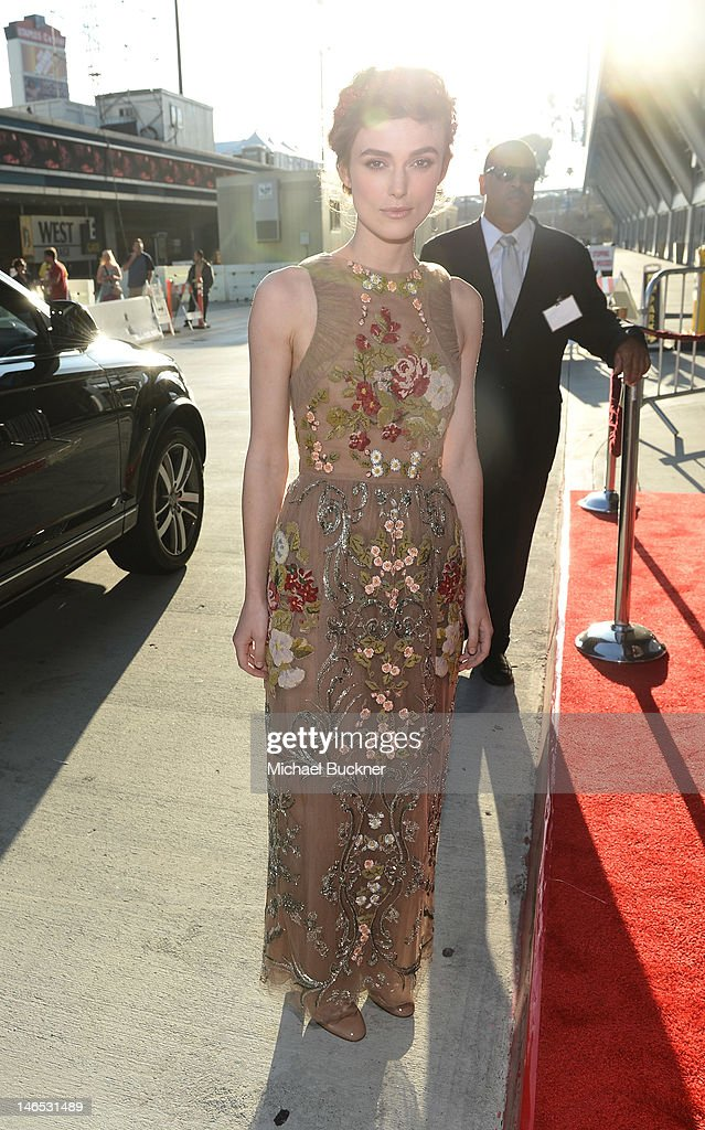 Actress <a gi-track='captionPersonalityLinkClicked' href=/galleries/search?phrase=Keira+Knightley&family=editorial&specificpeople=202053 ng-click='$event.stopPropagation()'>Keira Knightley</a> arrives at Focus Features' Premiere of 'Seeking A Friend For The End Of The World' at LA Live on June 18, 2012 in Los Angeles, California.