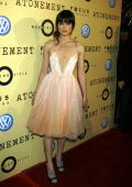 HILLS CA DECEMBER 06 Actress Keira Knightley arrives to the Los Angeles Premiere of 'Atonement' at The Academy of Motion Picture Arts and Sciences on...