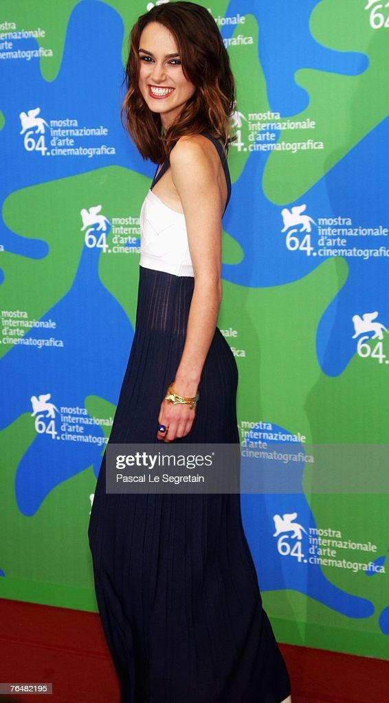 Actress <a gi-track='captionPersonalityLinkClicked' href=/galleries/search?phrase=Keira+Knightley&family=editorial&specificpeople=202053 ng-click='$event.stopPropagation()'>Keira Knightley</a> attends the Atonement photocall during Day 1 of the 64th Annual Venice Film Festival on August 29, 2007 in Venice, Italy.