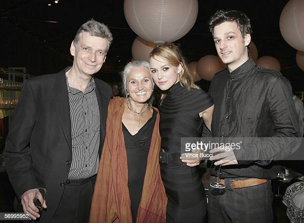 Actress Keira Knightley poses with her father Will Knightley mother Sharman McDonald and brother Kaleb Knightley at a preOscar party at Endeavor...