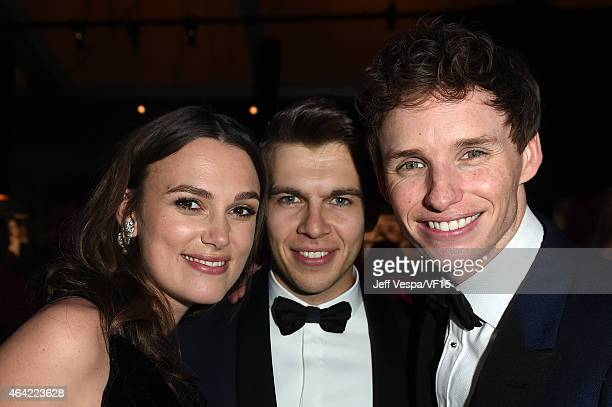 Actress Keira Knightley recording artist James Righton and actor Eddie Redmayne attend the 2015 Vanity Fair Oscar Party hosted by Graydon Carter at...
