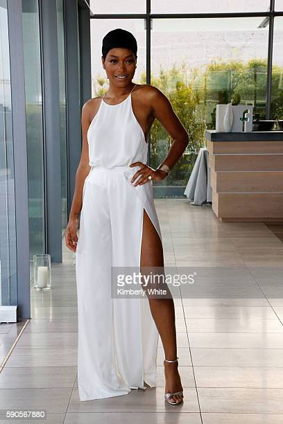Actress Keke Palmer attends the Women In Technology and Politics dinner hosted by Glamour and Facebook at The Battery on August 16 2016 in San...