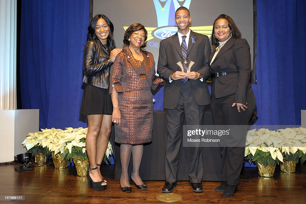 Actress KeKe Palmer, Deborah Richardson, Cameron Harris and Director of Community Development for Ford Motor Comapny Pamela Alexander attend the 2012 Ford Freedom Usung Awards ceremony at Historic Academy of Medicine at Georgia Institute of Technology on December 7, 2012 in Atlanta, Georgia.