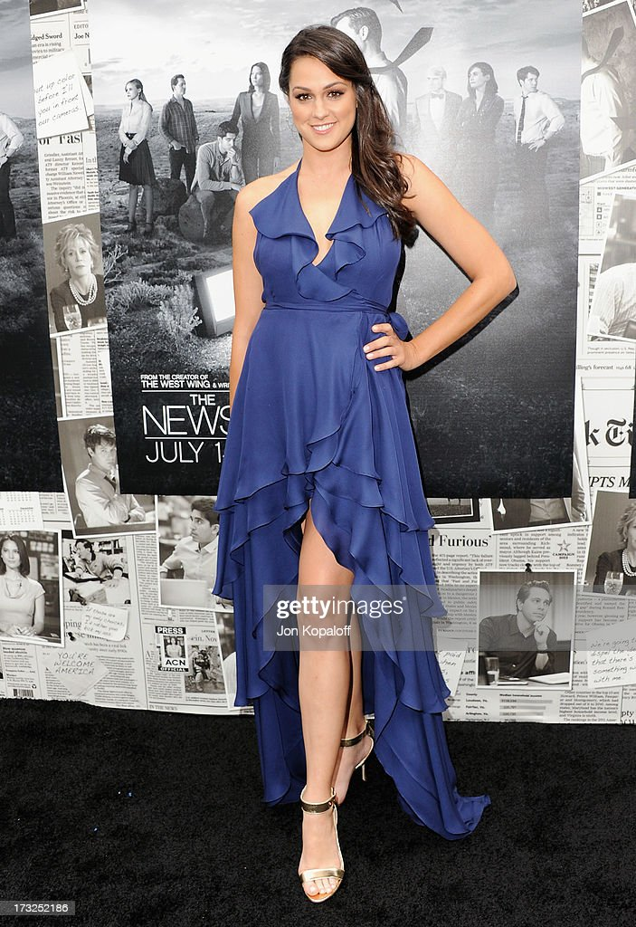 Actress <a gi-track='captionPersonalityLinkClicked' href=/galleries/search?phrase=Kelen+Coleman&family=editorial&specificpeople=8562058 ng-click='$event.stopPropagation()'>Kelen Coleman</a> arrives at HBO's Season 2 Premiere Of 'The Newsroom' at Paramount Theater on the Paramount Studios lot on July 10, 2013 in Hollywood, California.