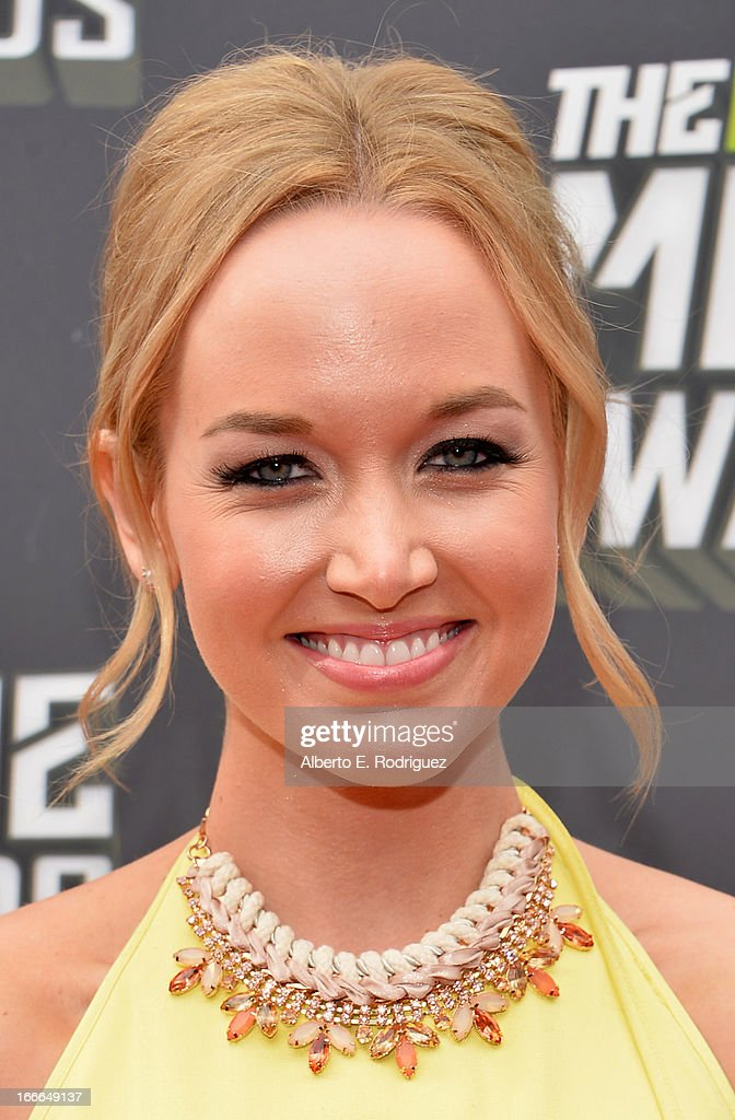 Actress Kelley Jakle arrives at the 2013 MTV Movie Awards at Sony Pictures Studios on April 14, 2013 in Culver City, California.
