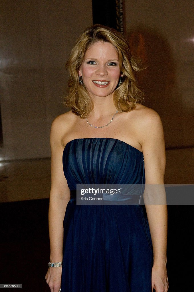 Actress Kelli O'Hara walks the red carpet at Some Enchanted Evening: A Musical Birthday Salute to Senator Edward Kennedy at The Kennedy Center on March 8, 2009 in Washington, DC.