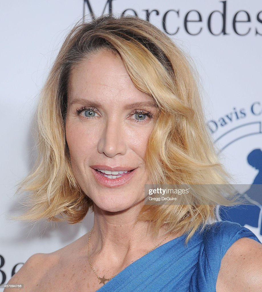 Actress <a gi-track='captionPersonalityLinkClicked' href=/galleries/search?phrase=Kelly+Lynch&family=editorial&specificpeople=203037 ng-click='$event.stopPropagation()'>Kelly Lynch</a> arrives at the 2014 Carousel Of Hope Ball Presented By Mercedes-Benz at The Beverly Hilton Hotel on October 11, 2014 in Beverly Hills, California.