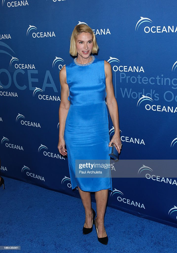 Actress <a gi-track='captionPersonalityLinkClicked' href=/galleries/search?phrase=Kelly+Lynch&family=editorial&specificpeople=203037 ng-click='$event.stopPropagation()'>Kelly Lynch</a> attends the Oceana Partners Award Gala at the Regent Beverly Wilshire Hotel on October 30, 2013 in Beverly Hills, California.