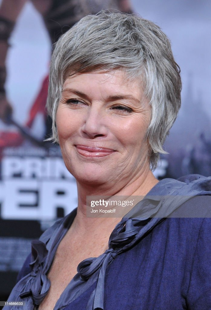 Actress <a gi-track='captionPersonalityLinkClicked' href=/galleries/search?phrase=Kelly+McGillis&family=editorial&specificpeople=673497 ng-click='$event.stopPropagation()'>Kelly McGillis</a> arrives at the Los Angeles Premiere of 'Prince Of Persia: The Sands Of Time' at Grauman's Chinese Theatre on May 17, 2010 in Hollywood, California.