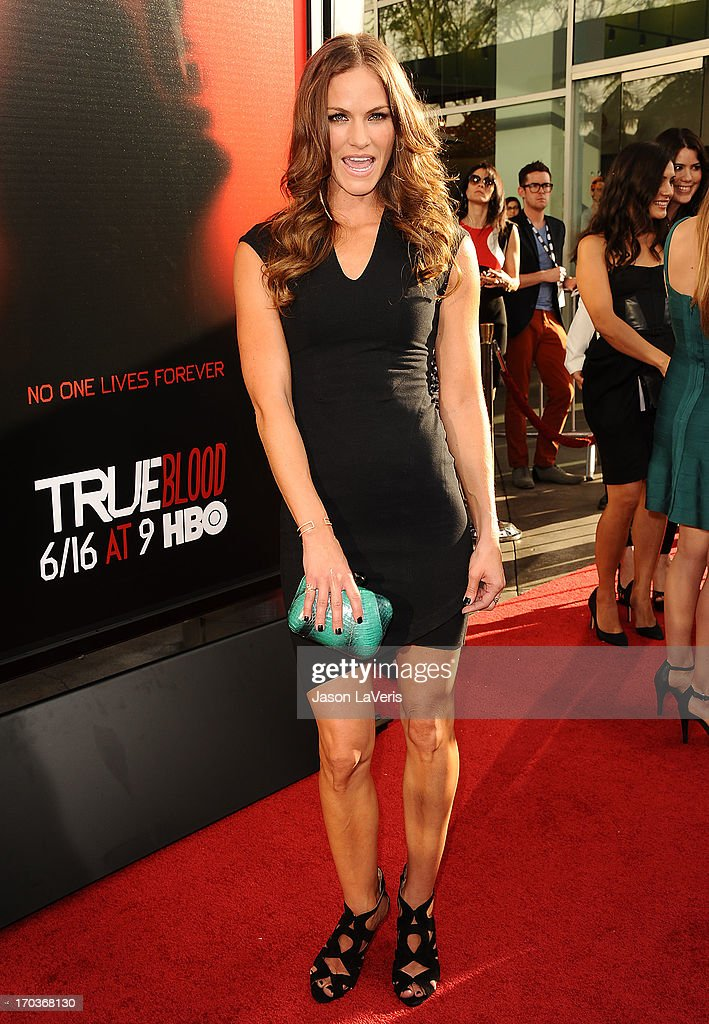Actress Kelly Overton attends the season 6 premiere of HBO's 'True Blood' at ArcLight Cinemas Cinerama Dome on June 11, 2013 in Hollywood, California.