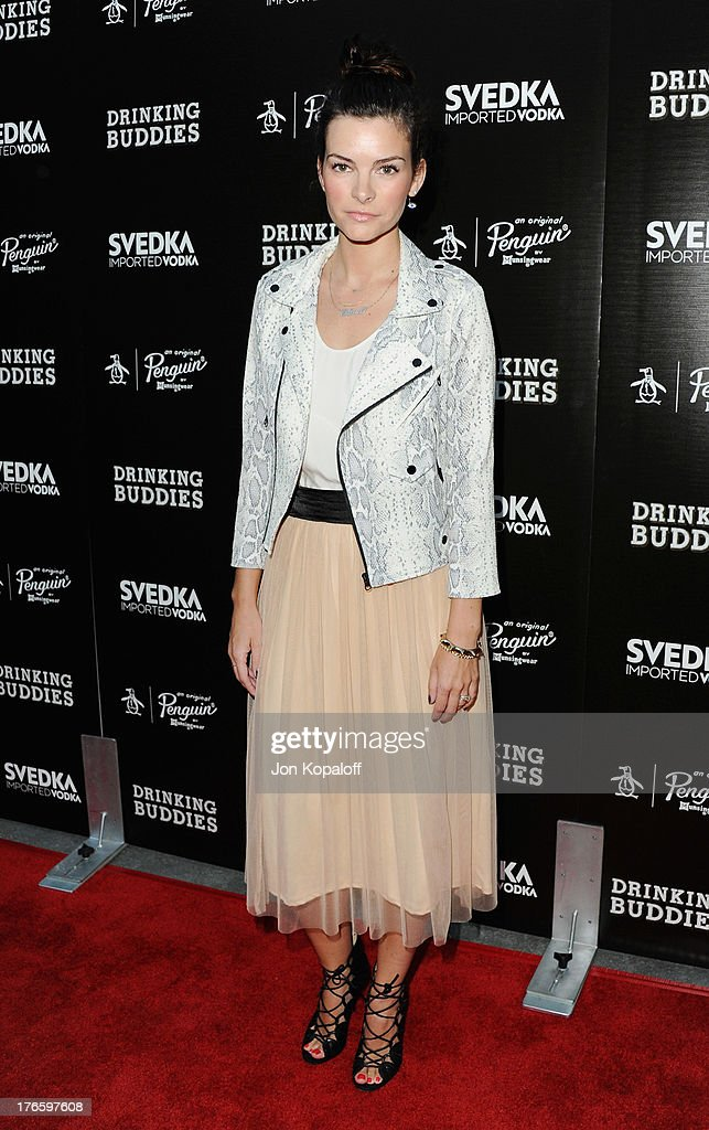 Actress Kelly Oxford arrives at the Los Angeles Premiere 'Drinking Buddies' at ArcLight Hollywood on August 15, 2013 in Hollywood, California.