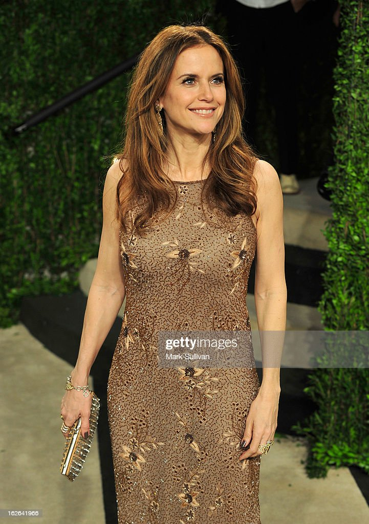 Actress Kelly Preston arrives at the 2013 Vanity Fair Oscar Party at Sunset Tower on February 24, 2013 in West Hollywood, California.