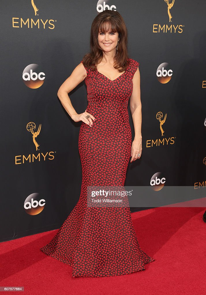 Actress Kelly Preston attends the 68th Annual Primetime Emmy Awards at Microsoft Theater on September 18, 2016 in Los Angeles, California.