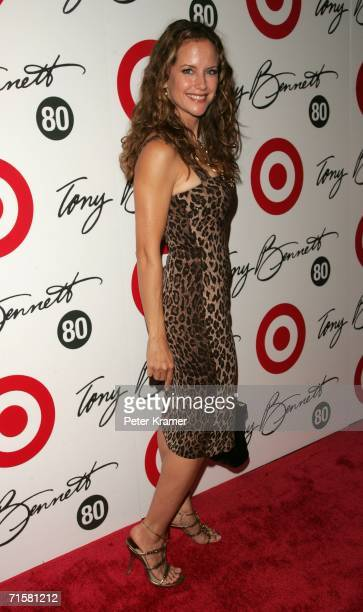 Actress Kelly Preston attends Tony Bennett's 80th birthday celebration hosted by Target at The Museum of Natural History on August 3 2006 in New York...