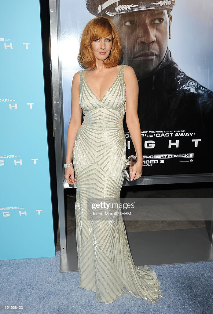 Actress Kelly Reilly arrives at the premiere of Paramount Pictures' 'Flight' held at the ArcLight Cinemas on October 23, 2012 in Hollywood, California.