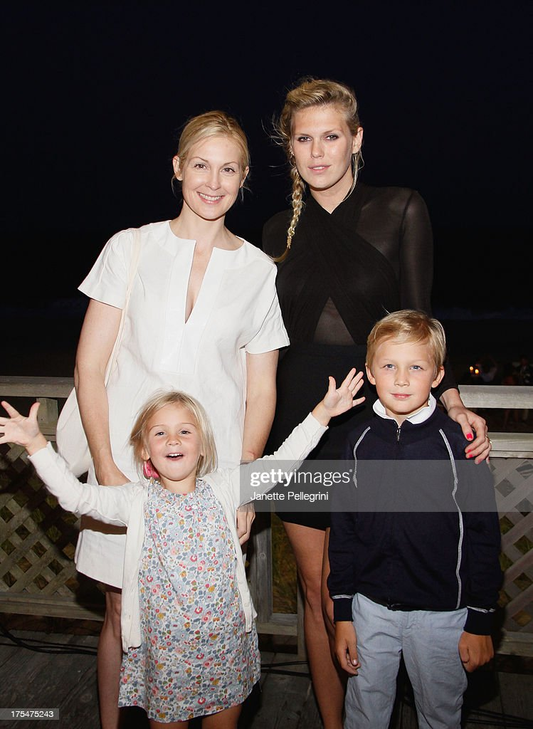 Actress <a gi-track='captionPersonalityLinkClicked' href=/galleries/search?phrase=Kelly+Rutherford&family=editorial&specificpeople=217987 ng-click='$event.stopPropagation()'>Kelly Rutherford</a> (L) and DJ <a gi-track='captionPersonalityLinkClicked' href=/galleries/search?phrase=Alexandra+Richards&family=editorial&specificpeople=213455 ng-click='$event.stopPropagation()'>Alexandra Richards</a> attend Women's Health Hamptons 'Party Under the Stars' for RUN10 FEED10 at Bridgehampton Tennis and Surf Club on August 3, 2013 in Bridgehampton, New York.