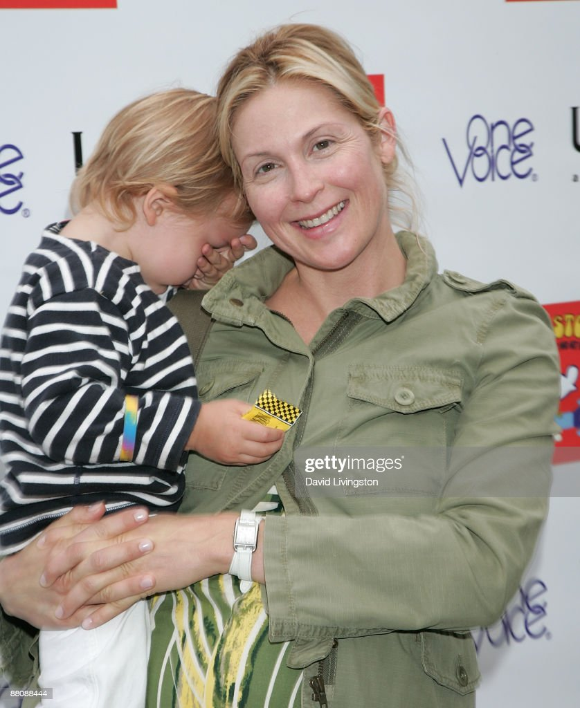 Actress Kelly Rutherford and her son attend the 3rd annual Kidstock Music and Art Festival at Greystone Mansion on May 31, 2009 in Beverly Hills, California.