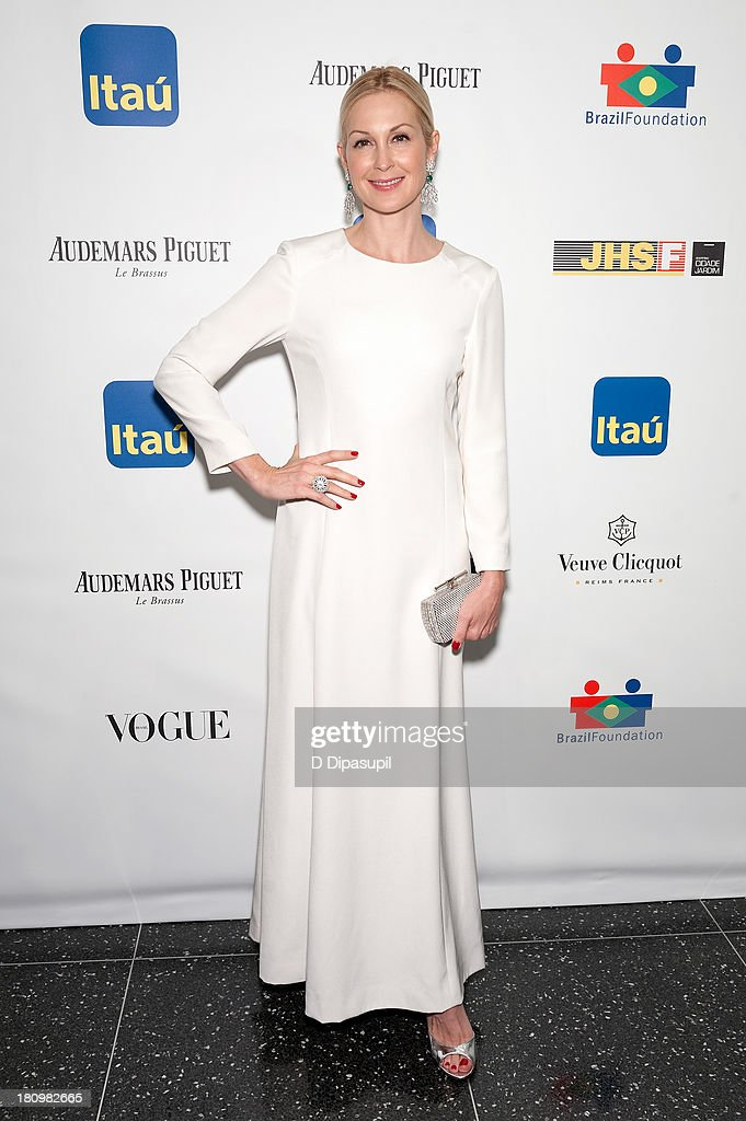 Actress <a gi-track='captionPersonalityLinkClicked' href=/galleries/search?phrase=Kelly+Rutherford&family=editorial&specificpeople=217987 ng-click='$event.stopPropagation()'>Kelly Rutherford</a> attends the 11th Brazil Foundation NYC gala at The Museum of Modern Art on September 18, 2013 in New York City.