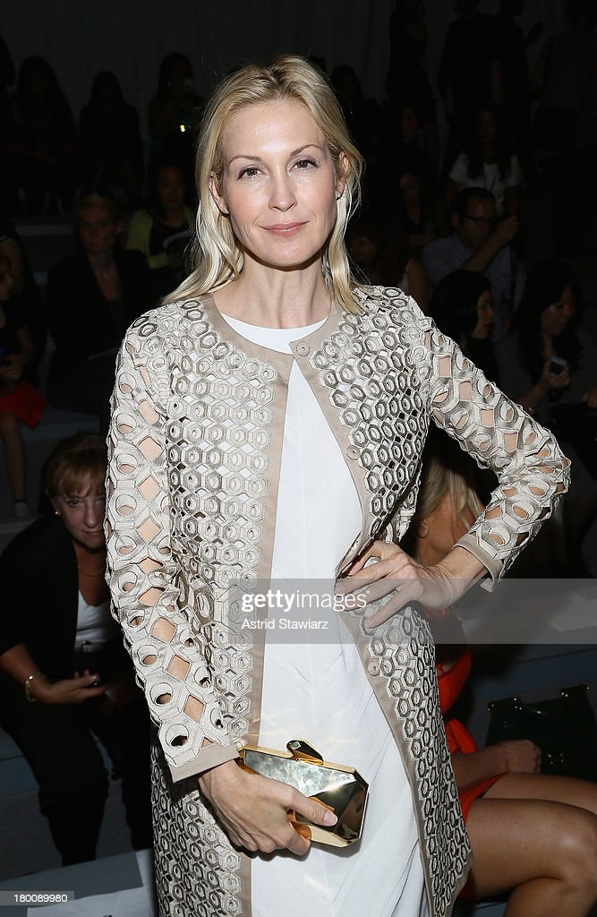 Actress <a gi-track='captionPersonalityLinkClicked' href=/galleries/search?phrase=Kelly+Rutherford&family=editorial&specificpeople=217987 ng-click='$event.stopPropagation()'>Kelly Rutherford</a> attends the TRESemme at Vivienne Tam fashion show during Mercedes-Benz Fashion Week Spring 2014 at The Stage at Lincoln Center on September 8, 2013 in New York City.