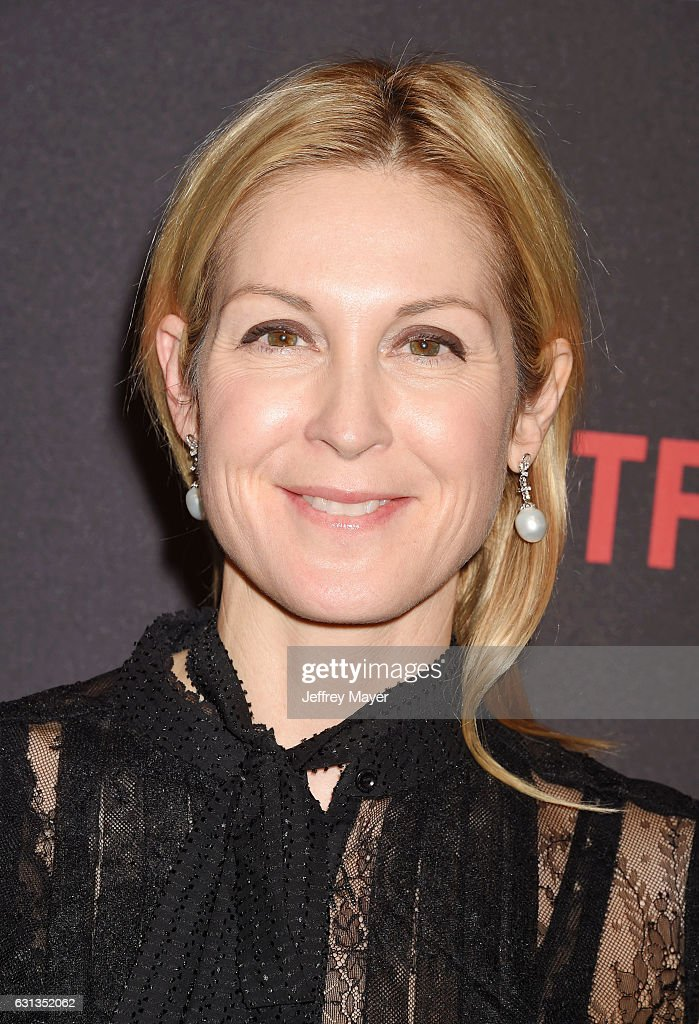 Actress Kelly Rutherford attends The Weinstein Company and Netflix Golden Globe Party, presented with FIJI Water, Grey Goose Vodka, Lindt Chocolate, and Moroccan Oil at The Beverly Hilton Hotel on January 8, 2017 in Los Angeles, California