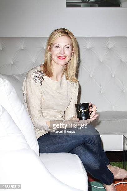 Actress Kelly Rutherford visits the Tassimo Brewbot Cafe on May 5 2011 in New York City