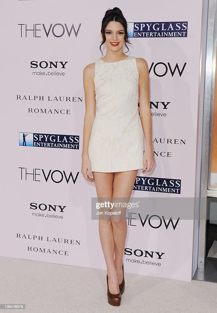 Actress <a gi-track='captionPersonalityLinkClicked' href=/galleries/search?phrase=Kendall+Jenner&family=editorial&specificpeople=2786662 ng-click='$event.stopPropagation()'>Kendall Jenner</a> arrives at the Los Angeles Premiere 'The Vow' at Grauman's Chinese Theatre on February 6, 2012 in Hollywood, California.