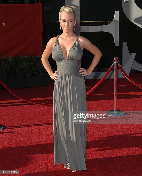 Actress Kendra Wilkinson arrives at the 2009 ESPY Awards Arrivals at Nokia Theatre LA Live on July 15 2009 in Los Angeles California